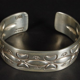 Unspecified Artists - Bracelet