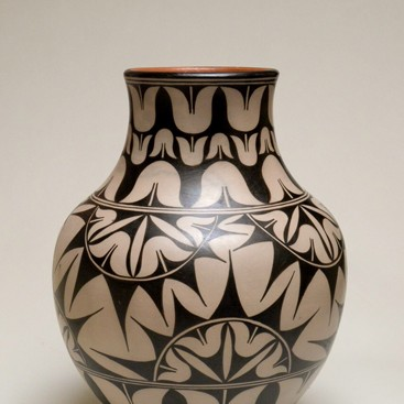 Lisa  Holt and Harlan Reano - Tulip Pot