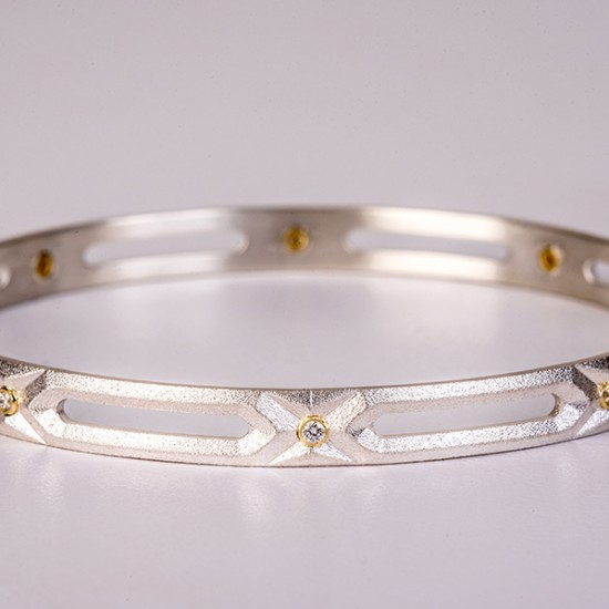 Maria Samora - Hexagon Diamond Bangle