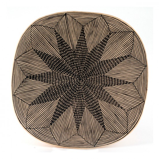 Unspecified Artists - Black-on-White Fine Line Pottery Plate